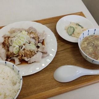 日替わりランチ(広東名菜 紅茶 (ほんちゃ))