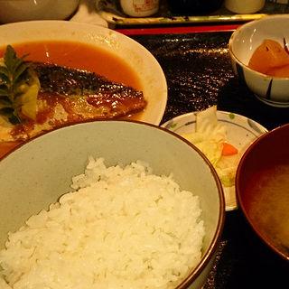 鯖の味噌煮定食(志摩 (しま))