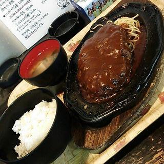 ハンバーグ定食(志摩 )