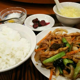 鶏肉の黒胡椒炒め(美山飯店)