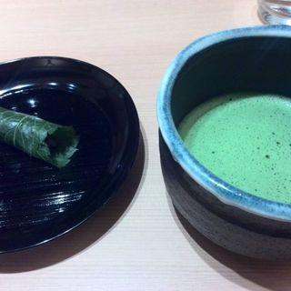 桜餅と抹茶(懐石料理 はし本 )