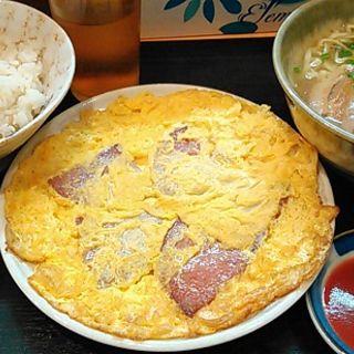 玉子定食(新宿やんばる 2号店 )