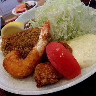 海鮮ミックスフライ定食(海鮮丼 日の出)