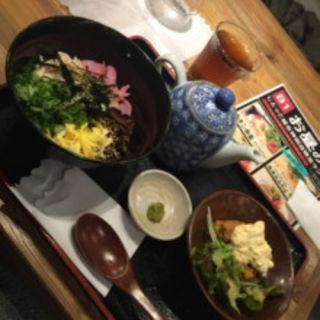 鹿児島名物鶏飯とチキン南蛮のセット(日南市じとっこ組合 神田店 )