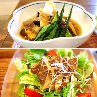 島魚と揚げ豆腐のきのこあんかけ