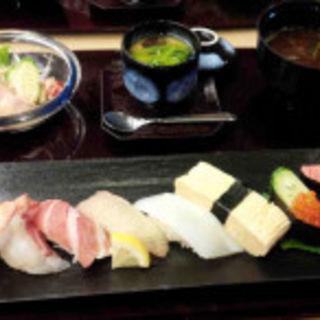 ランチセット(旬魚 (シュンギョ))