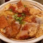 カツ玉子とじ、水なすの浅漬け、カリカリじゃことお豆腐のサラダ