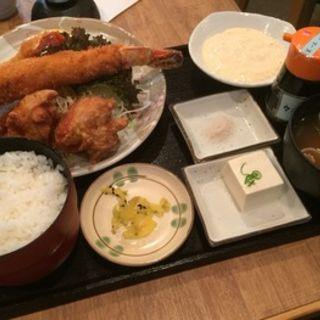 メガ海老フライ定食(普通の食堂いわま )