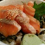 炙りサーモン丼とちく天の明太マヨ
