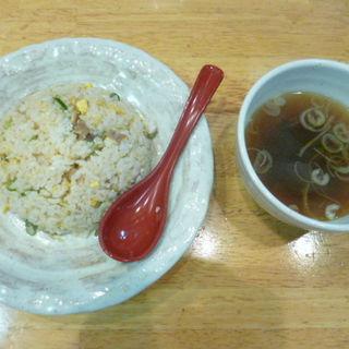 ワンコインランチ チャーハン スープ付き(木菟ラーメン (みみずくラーメン))