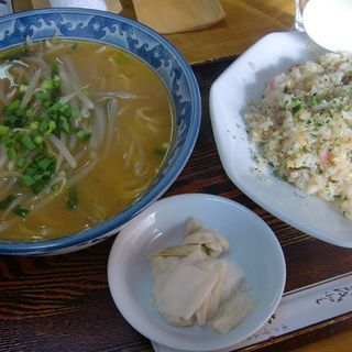 Aセット ミニチャーハン+味噌ラーメン(東水 )