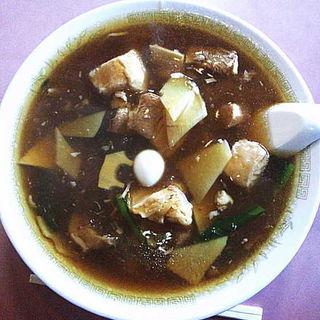 バラ肉そば(中華料理 栄楽 )