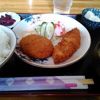 今週の定食(カレーコロッケと白身魚フライ)(楓kaede)