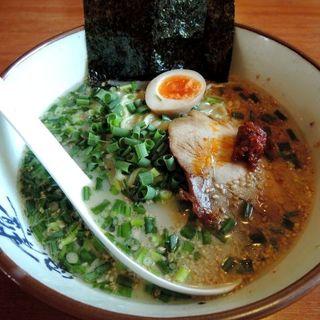 ねぎ塩ラーメン(麺かため)(横濱家 八王子みなみ野店 (よこはまや))