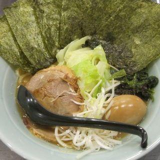 醤油豚骨ラーメンの全部乗せ(横濱豚骨醤油 ラーメン佐原 )