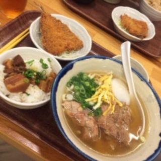 そばセット(てびちそばにラフテーご飯)(沖縄リパブリック 談四朗キッチン)