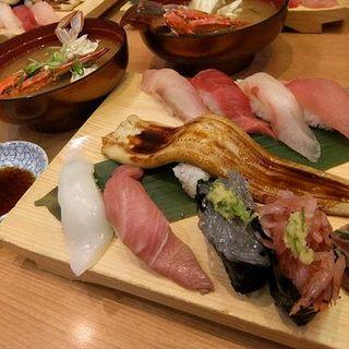 近海DX握り(沼津 魚がし鮨 羽田空港店 (ぬまづうおがしずし))