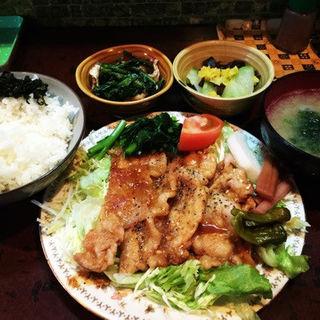 生姜焼き定食(波浮港 )