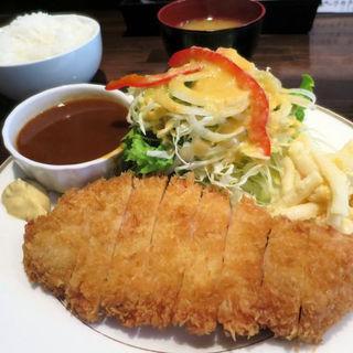ポークカツ(神戸ポーク雌肉使用)ライス・みそ汁付(洋食SAEKI (ヨウショクサエキ))