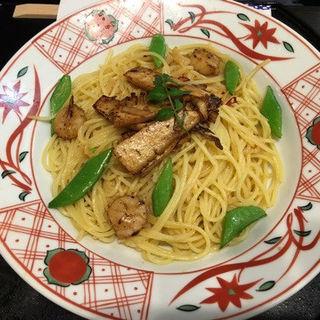 筍ステーキと炙り帆立のペペロンチーノ  仁淀川山椒風味(洋麺屋 五右衛門)