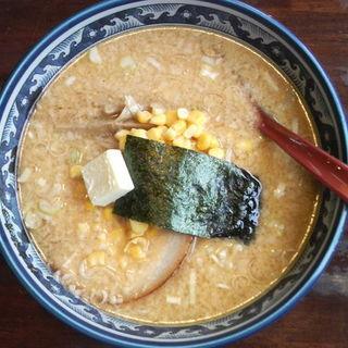 味噌バターコーンラーメン(活力豚骨ラーメン 大成屋 (おおなりや))