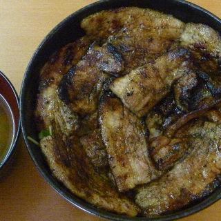 炭火焼豚丼(バラの並)(炭火焼 我が家のとん丼や )
