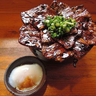 大豚丼+温玉(炭焼豚丼 豚野郎 (ぶたやろう))
