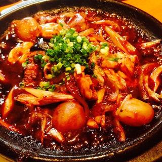 鶏もつのどて鍋焼(焼き鳥 鳥抱月 (ヤキトリ トリホウゲツ))