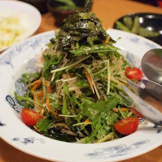 水菜とジャコのシャキシャキサラダ(焼き鳥の軍ぞう )