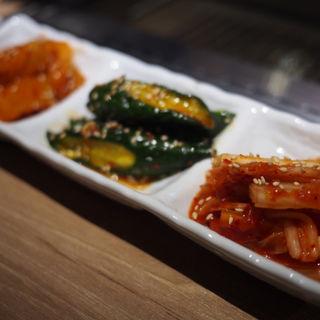 キムチ盛り(焼肉 肉縁)