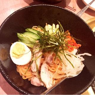 ビビン麺(焼肉問屋 牛蔵 (ヤキニクトンヤ ギュウゾウ))