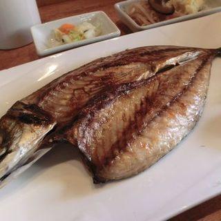 関サバの一夜干し定食(焼魚と家庭料理 つばき食堂 自由が丘 )