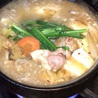 ちゃんこ風の鶏鍋(焼鳥れっとり )