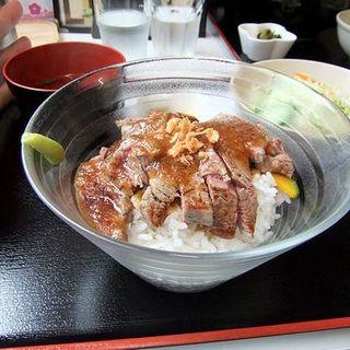 国産牛 ヒレステーキ丼(熊泰精肉堂)