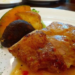 ナポリピッツァオーダーバイキングランチ 若鶏のオーブン焼き 柚子胡椒バターソース(燦 ミント神戸店 (サン))