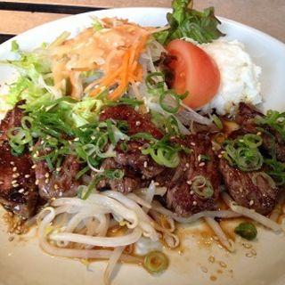 赤身焼肉定食(牛亭りよん (ぎゅうていりよん))