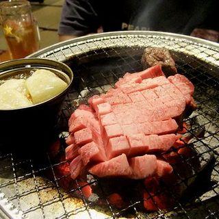 数量限定!豪快焼肉!厚切り牛トロタンステーキ(田中ホルモン)