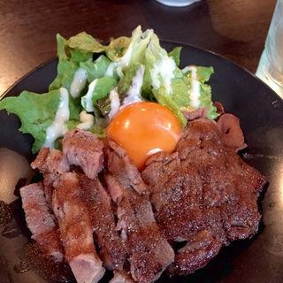 神戸牛ステーキ丼(百卵 本店 (ビャクラン))