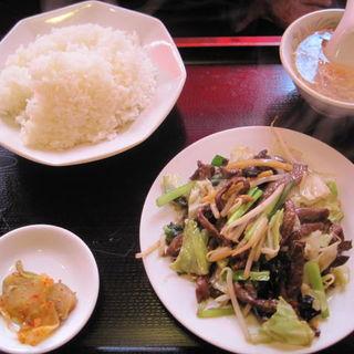 牛肉と野菜炒めランチ