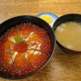 さけ親子丼(知床料理 一休屋 (いっきゅうや))