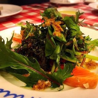 タスマニアサーモンのマリネと春のお野菜(神楽坂ワイン食堂 ビストロ Entraide (アントレイド))