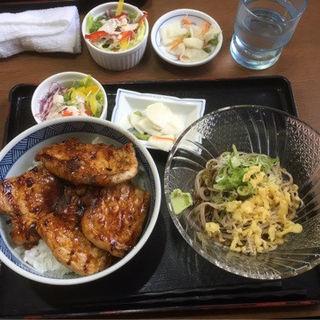 豚どん&蕎麦セット(秋乃家 イオン北見店 )