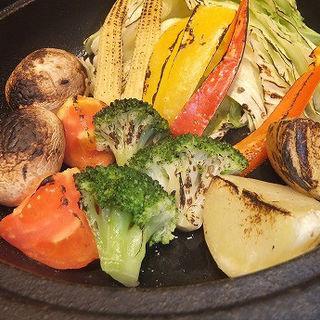 8種野菜のオーブン焼き バーニャソース(秋葉原バル モンパカ )