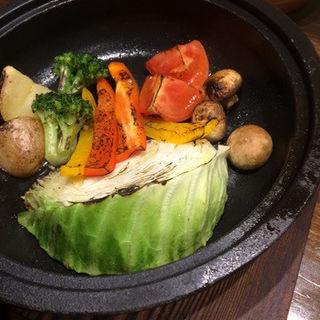 焼野菜のバーニャカウダソース(秋葉原バル モンパカ )