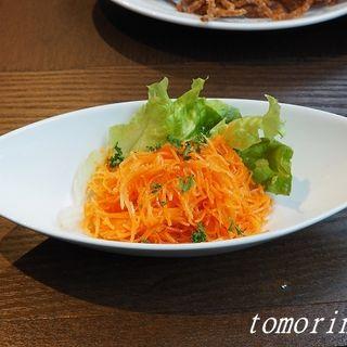 人参サラダ オレンジ風味(立ちバルイタリアン BOTTI 錦通店)