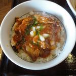 トマトソーキ丼(節系とんこつらぁ麺 おもと )