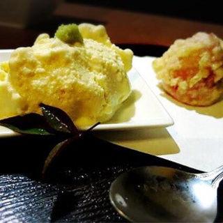 豆腐アイスクリームといちごチーズ揚げ