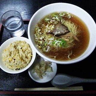 日替りランチB(半チャンラーメン)(紅龍 晩翠通店)