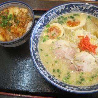 味玉とんこつらーめん スタミナキムチ丼セット(紺のれん 長沼店 (こんのれん))