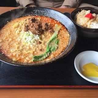 担々麺とチャーシュー丼(羅妃焚)
